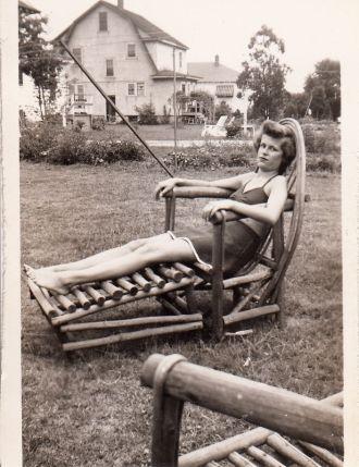 Jenniemae Miller, sunbathing