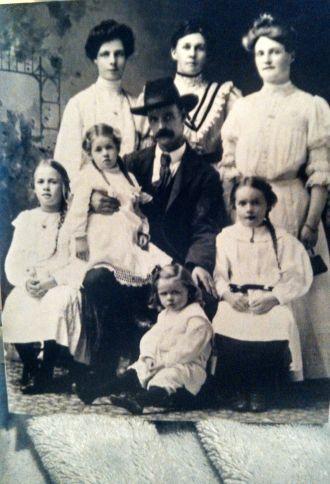 Allan and Lottie Tannock Family
