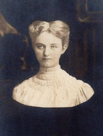 Lucy Beebe 1907