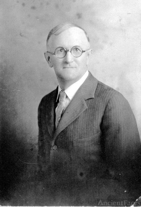 Clarence Ellsworth Thompson