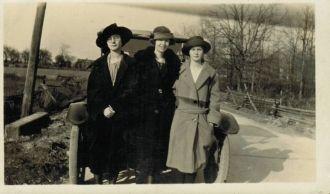 Mary Moreland & Stranford girls, Pennsylvania