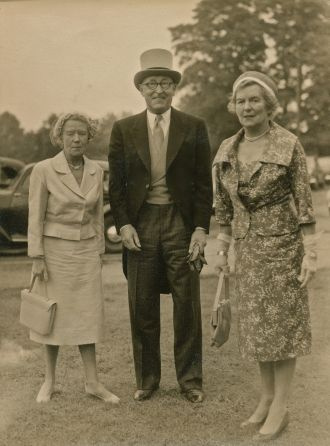 Kathleen Beacham & Cyril and Gladys Dew