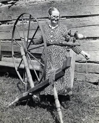 1939 Spinning wheel
