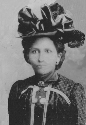 A photo of Laura (Collier) Maclin