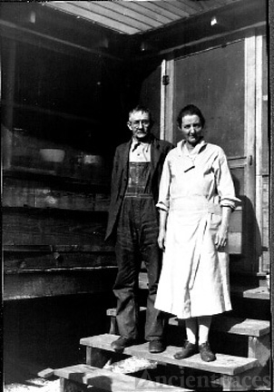 Leonard Cagle Cox and Minnie Nebraska Pridmore Cox
