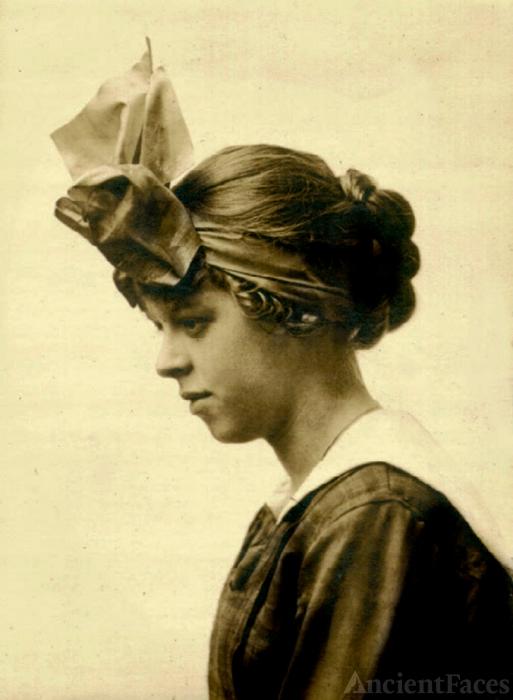 Marjorie Keswick, 1915 hat