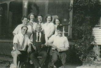 Gustave & Anna (Heidke) Kurtz Families, 1934