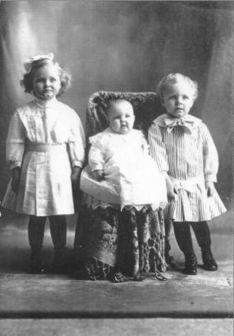 Irene, Pauline and Albert Frahm, Nebraska 1910