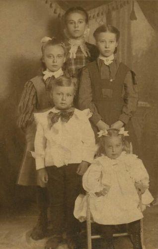 Bernice, Elmer, Grace, Esther, & Ella Snell, 1905