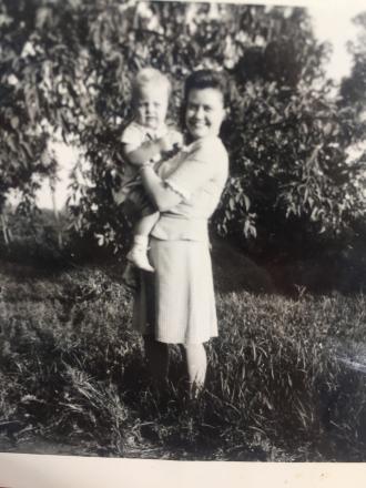 Shirley Severson andTheodore Dobbelmann