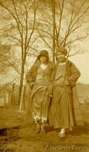 Ina Viola Hicks and Anna Marquardt