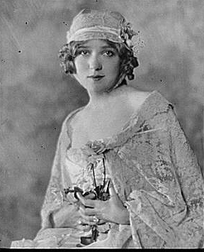 Portrait photograph of Mary Pickford