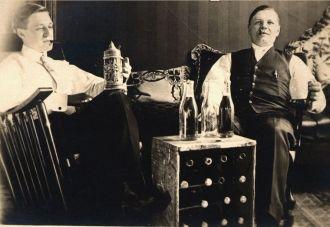 Ed Wegner & Joe Hagberg, 1910