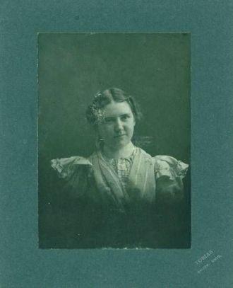 Unknown Woman 6