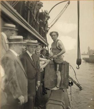 Harry Houdini Trick 1912