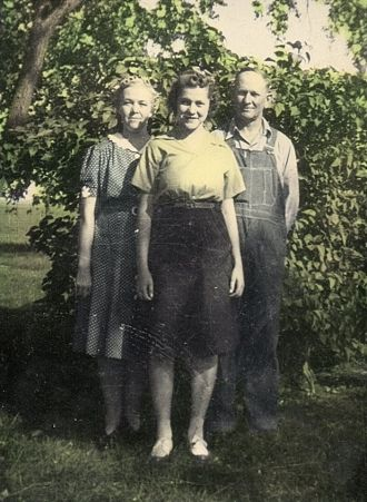 Fanny, Norma Jean & Ted Roos Family Photo