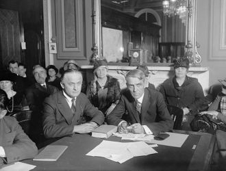 Harry Houdini & Senator Capper (Senate District Com.),...