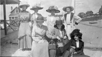 Eva M. (Ashenden) Murray and friends, Plum Island
