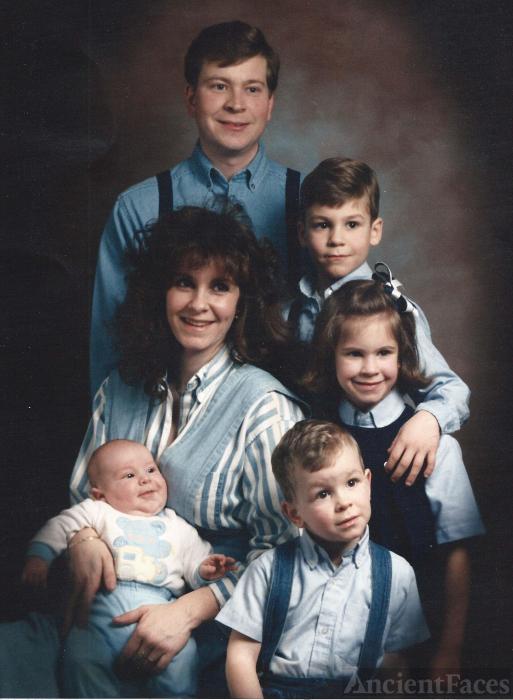 Bob and Sarah Gibbs and family