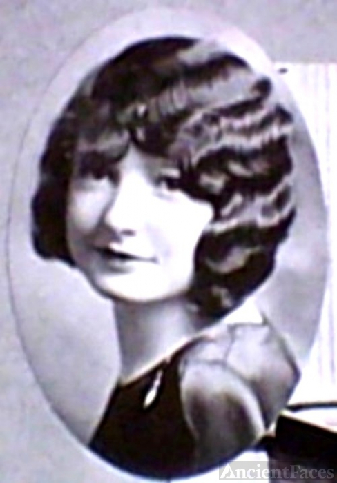 Mary Elinor Lucas c. 1928. Boise Idaho.