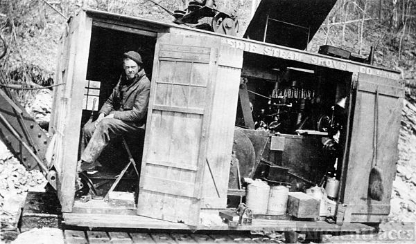Earl Smith, steam shovel