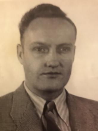 Rex L Moyer