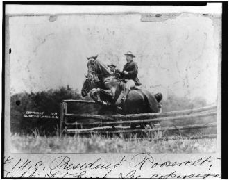 [President Theodore Roosevelt and Capt. Fitzhugh, on...