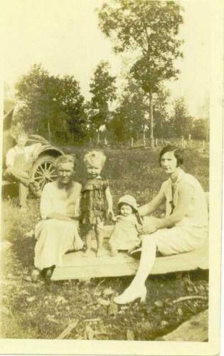 Matilda & Mabel Whitlock & Iva Mooney