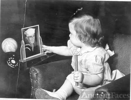 Susie and picture of her Dad during WW2