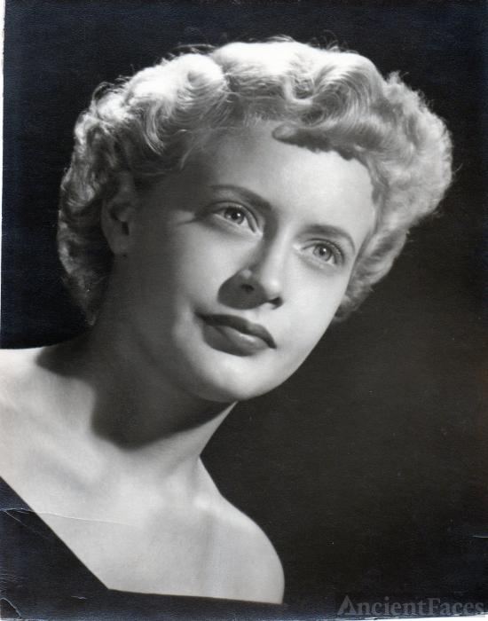 Lucinda C (Davis) Kok