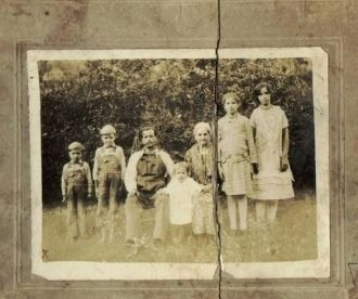 Dora Vaughn (ELKINS) & family