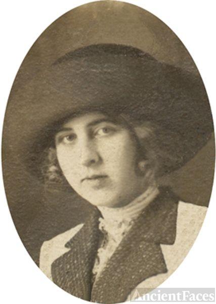 Pearl Mitton