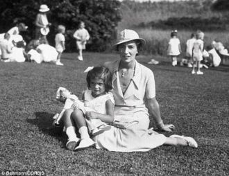 Jackie and Janet (Lee) Bouvier