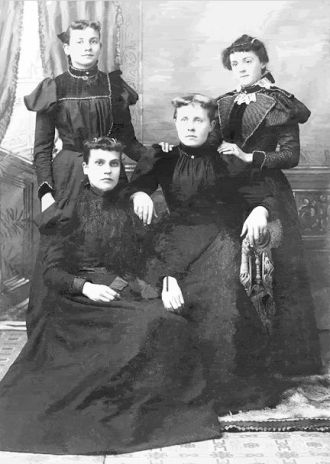 Unknown Fournier sisters