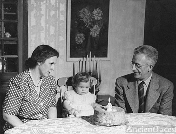 Helen & Harry Lucas with daughter