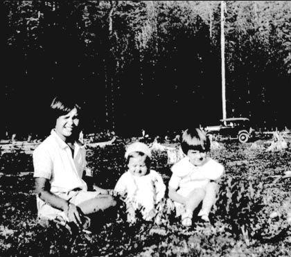 Shirley DIckover & Benning girls