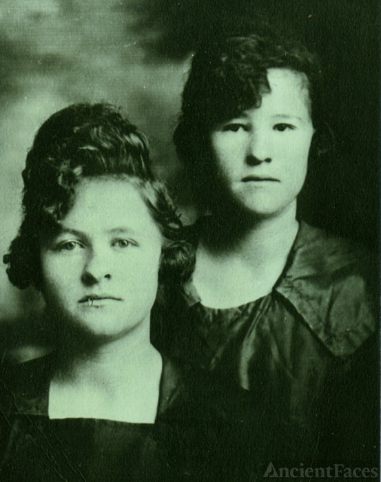 Cora and Kate Webb