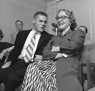 James MacArthur and mother, Helen Hayes.