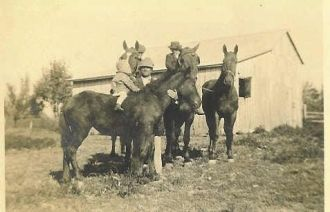 Asa Neal & His Kids, Ready To Ride Their Horses