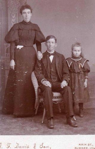 Mr. & Mrs. W.S.Blackburn; Sumner, Iowa
