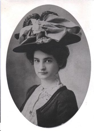 Madge (Shipman) Briggs, 1900