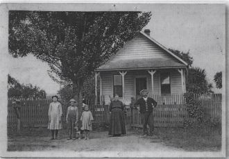 Ede Family, Lewisburg, OR
