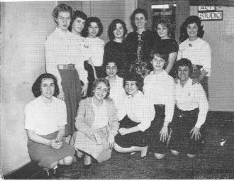 Zelda Estrin in 1961 with her photography class.