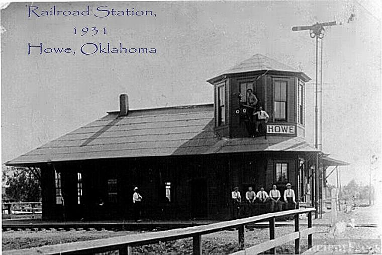 Howe, Oklahoma - Railroad station