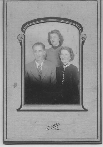 Family photo: Marion, Eunice, & Virginia