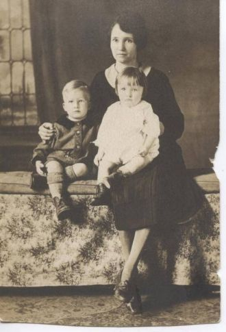 Gollie Marie Sikes, Moon and son's Wilbur Horace Moon & Charles Samuel Moon