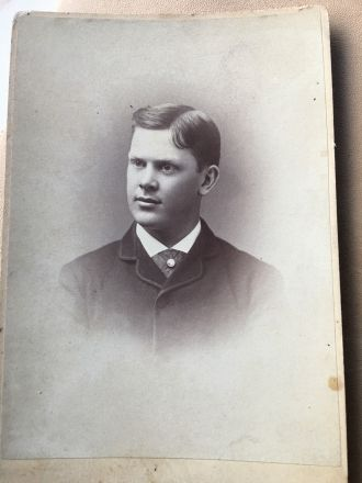 A. E. Farnham / Famham