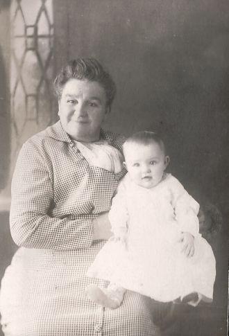 Alice Wilkins & Alice Schubel Michigan 1913