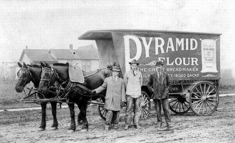 Pyramid Flour Wagon