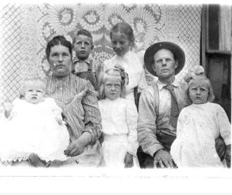 Franklin & Nettie Bruner Family, Nebraska 1909